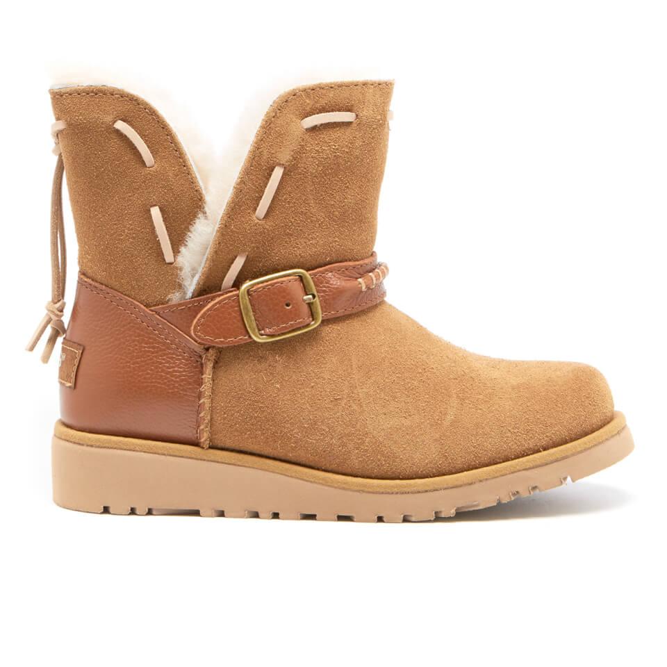 ugg-kids-tacey-short-buckle-sheepskin-boots-chestnut-12-kids