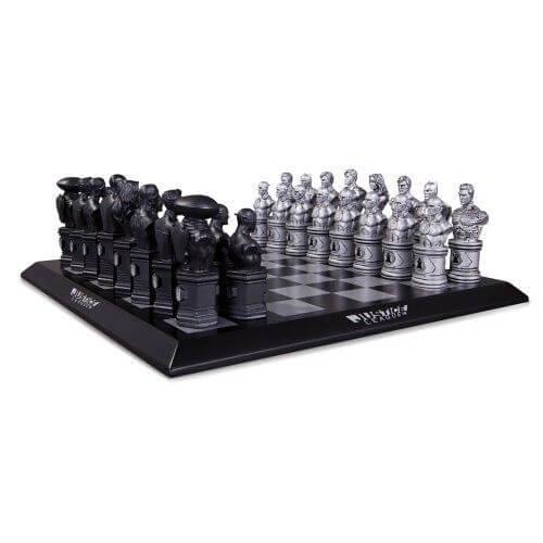 dc-collectibles-justice-league-chess-set