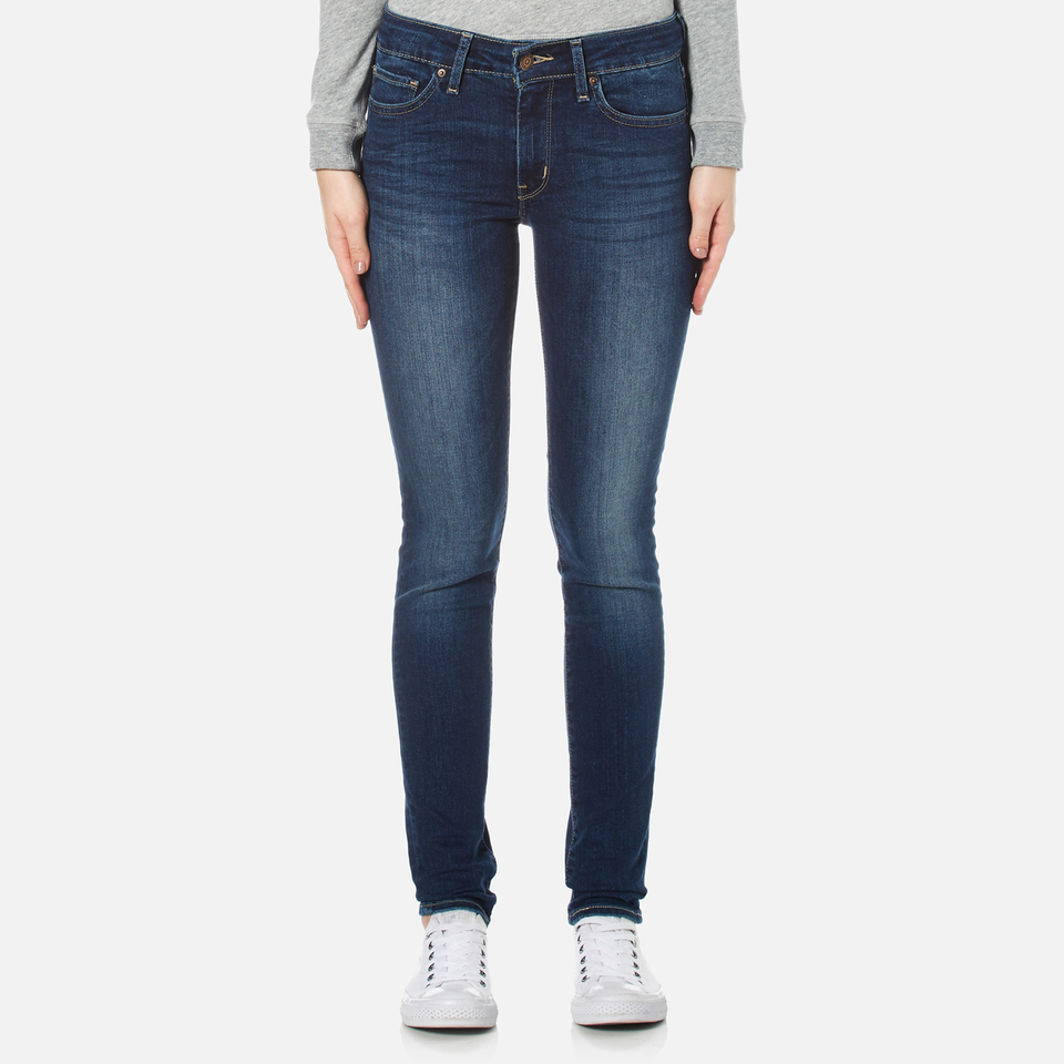 For the warmer months, Levi's® offers a great selection of women's denim shorts, ranging from cut-offs to Bermudas, and ankle-length jeans. Levi's® covetable ® Shorts are always a popular summer pick.