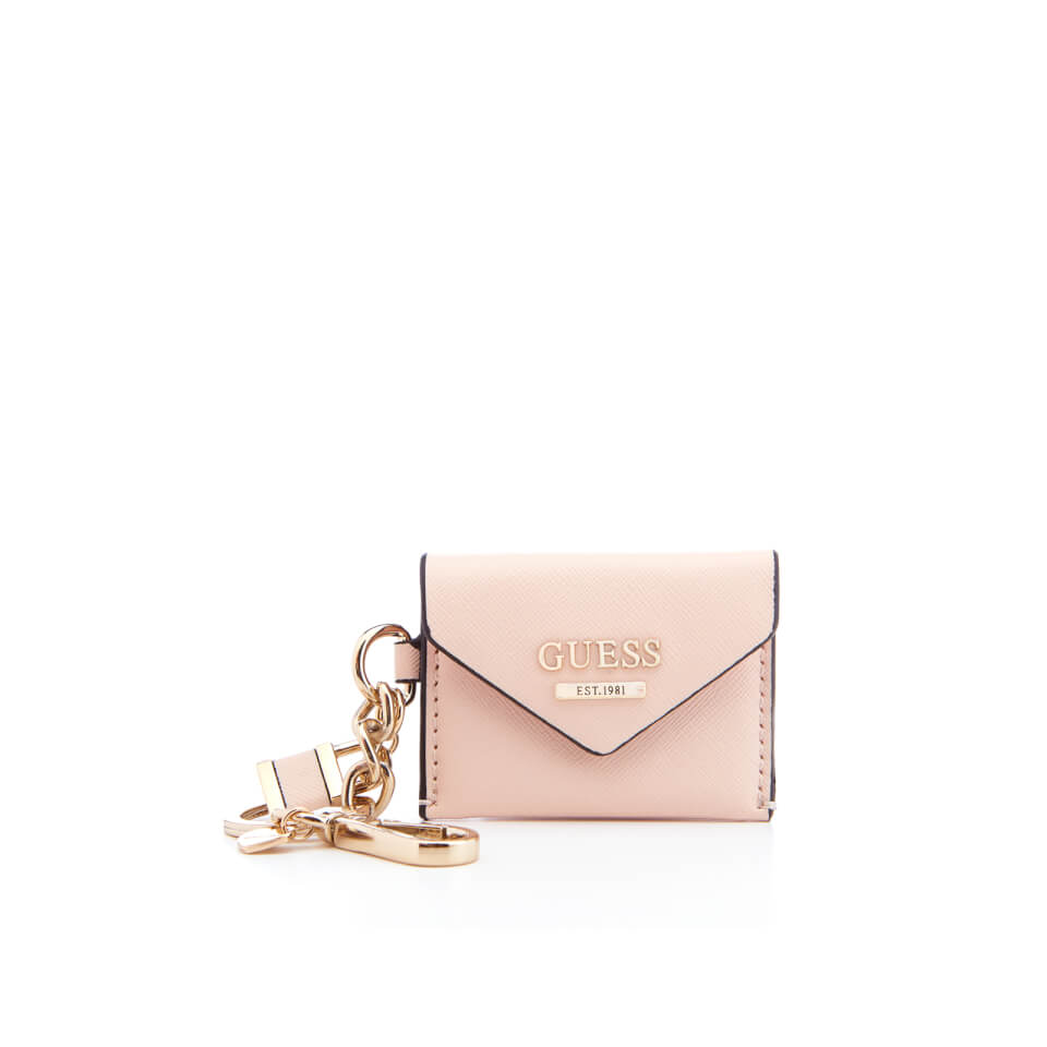 guess-women-gia-envelope-keychain-cameo