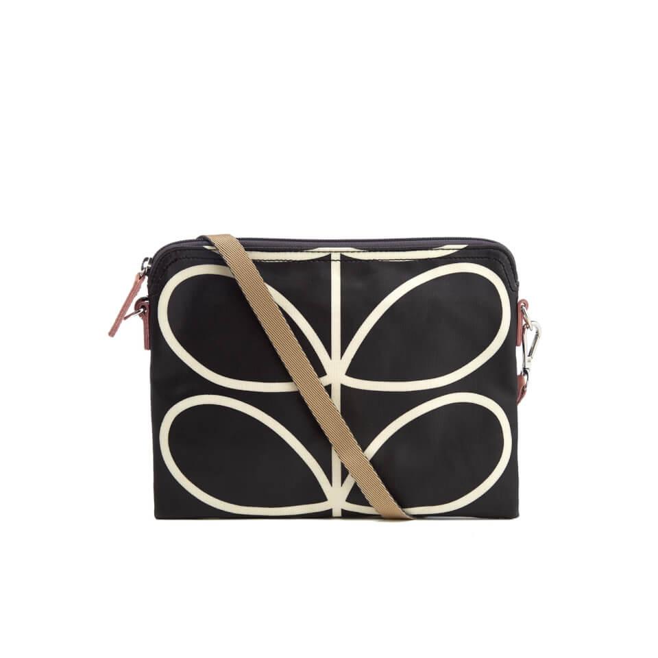 orla-kiely-women-stem-travel-pouch-black