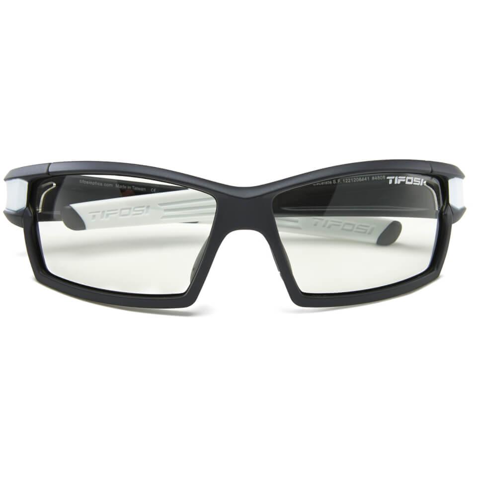 tifosi-pro-escalate-shield-full-sunglasses-black-fototec-light-night