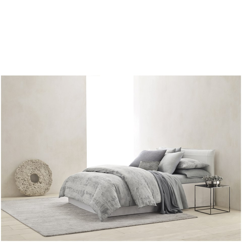 calvin-klein-caspian-duvet-cover-super-king
