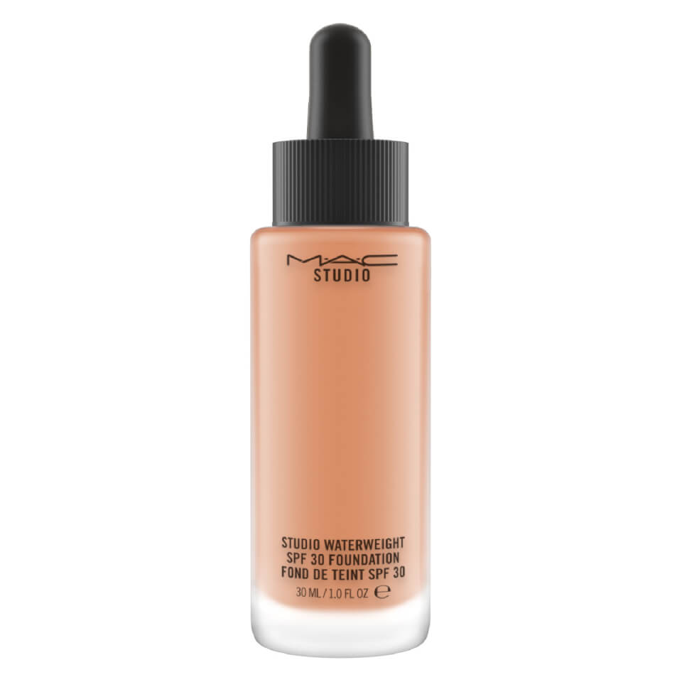 MAC Studio Waterweight_(HOLD) NW35 Foundation