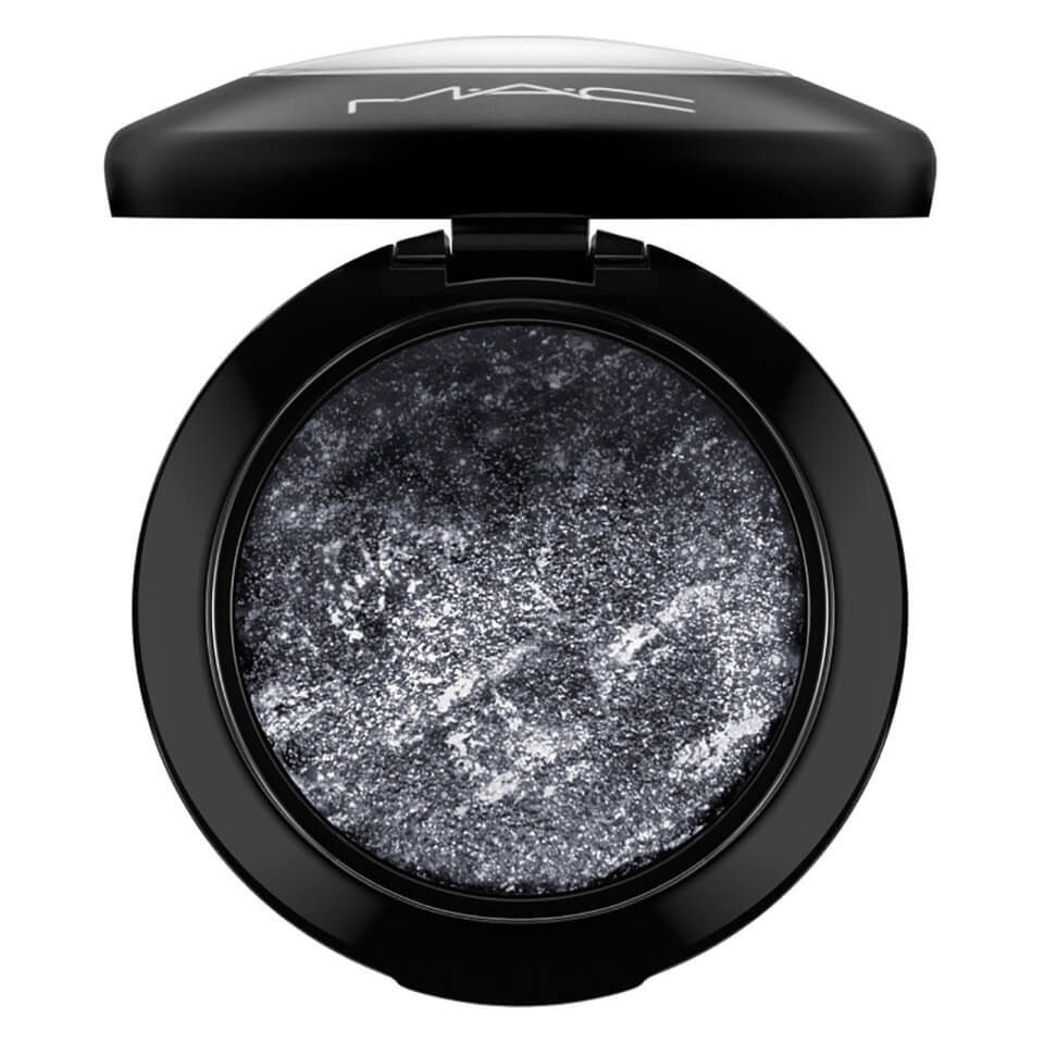 mac-mineralize-eye-shadow-various-shades-smutty-green