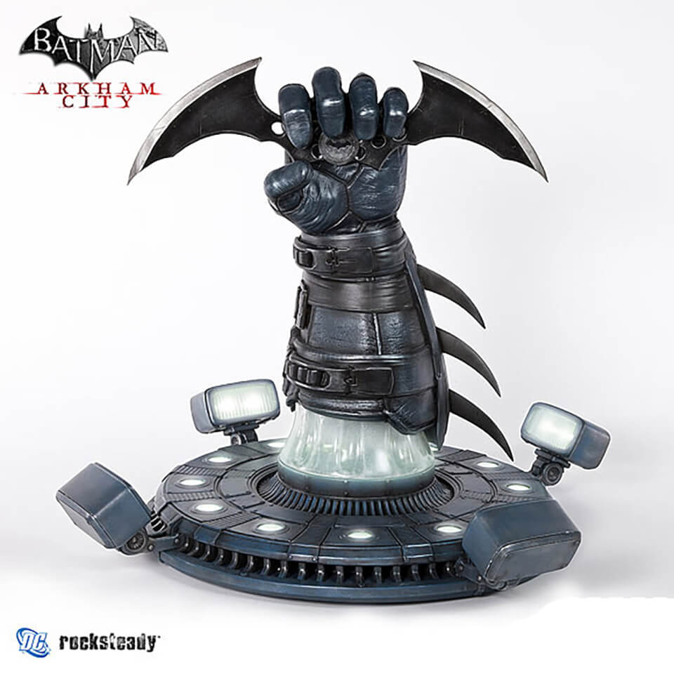 Batman: Arkham: City - Batarang Prop Replica 22