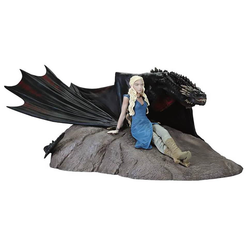 Dark Horse Game of Thrones Daenerys & Drogon Statuette