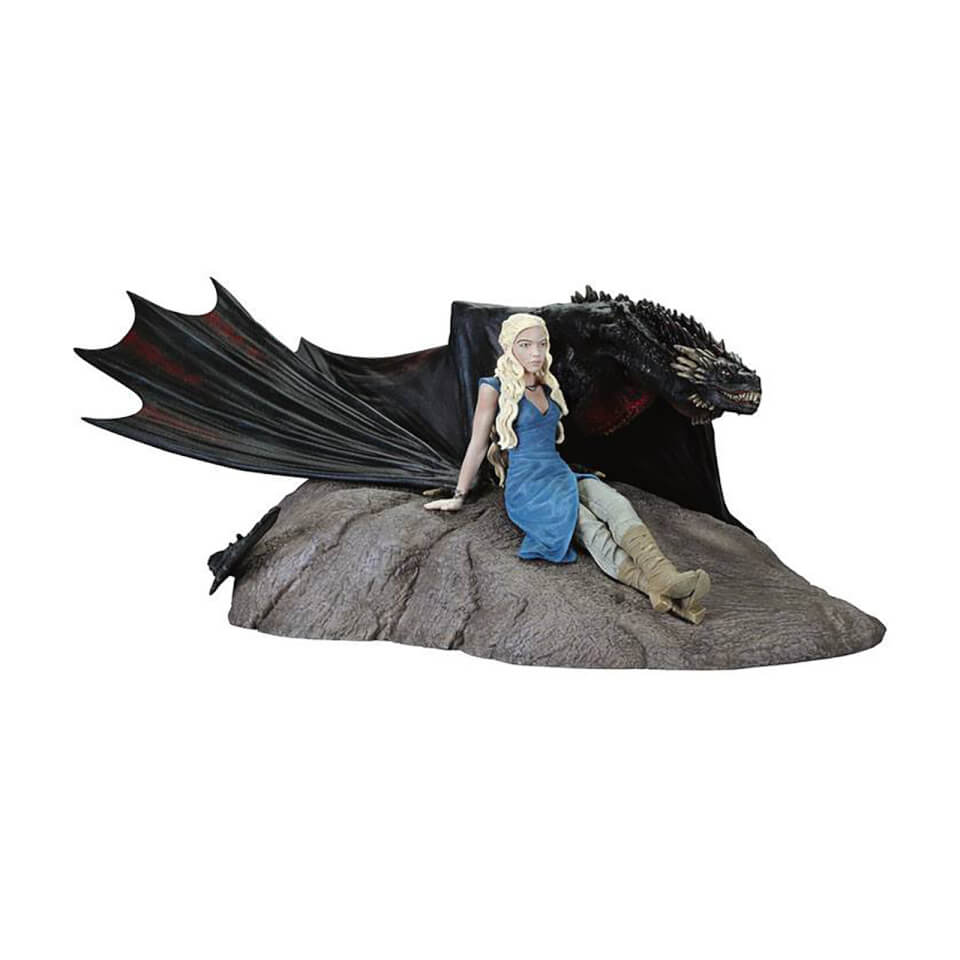 Dark Horse Game of Thrones Daenerys & Drogon Statuette