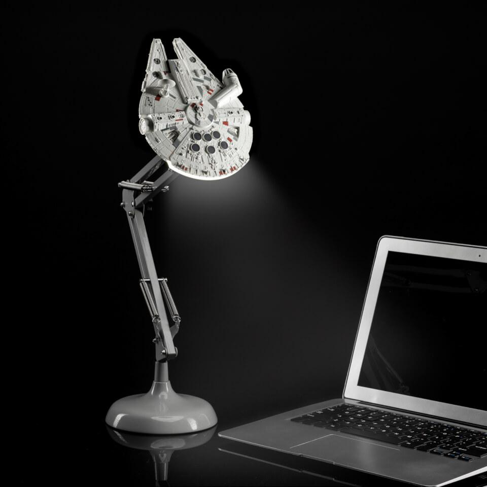 Nützlichfanartikel - Star Wars Millennium Falcon Posable Desk Light - Onlineshop Sowas Will Ich Auch