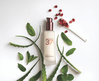High Performance Anti-Aging Cleansing Treatment.