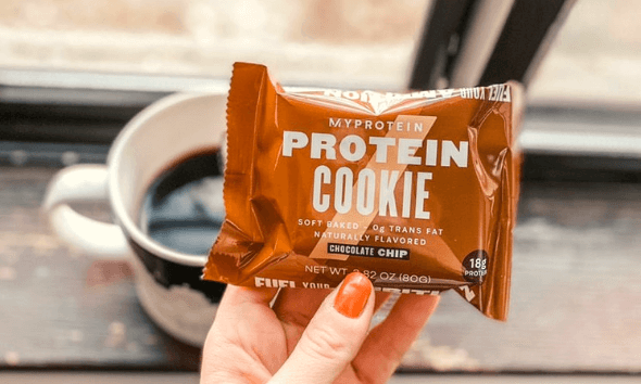 Protein cookie with black coffee