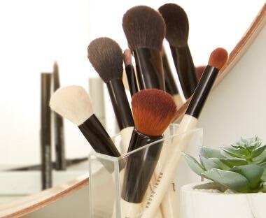 Bobbi Brown Brushes & Tools