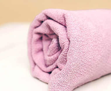 乾髮巾和乾髮帽,光滑完成最溫和的乾燥。適用於一般髮質。